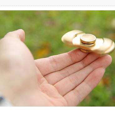 减压玩具指尖陀螺(限铝合金款)劵后18元包邮小编已收货!小编可以转1:30秒